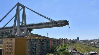 Auf einmal war da nichts mehr - nach der Brückenkatastrophe herrscht in Genua Fassungslosigkeit und wachsende Wut.