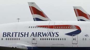 Eine British Airways Maschine im Londoner Flughafen Heathrow.
