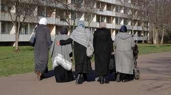 Das islamische Kopftuch wird von Menschen, die strengere Regeln für Migration und Einbürgerung wollen, gerne als Gradmesser für Integration herangezogen.