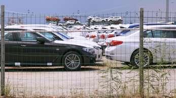 BMW hat in China mehr als 100.000 Fahrzeuge wegen möglicher Probleme mit der Klimaanlage zurückrufen müssen.