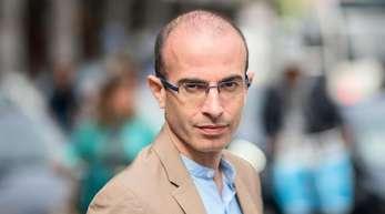 Yuval Noah Harari warnt vor drei großen Gefahren für die Menschheit.