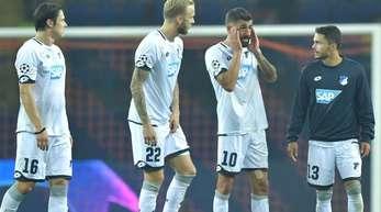 Die Spieler von 1899 Hoffenheim sind mit dem Ergebnis ihres Debüts in der Champions League nicht zufrieden.