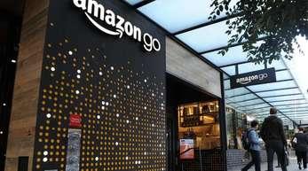 Eins der schon existiernden «Amazon Go»-Geschäfte in Seattle. Im Jahr 2021 sollen 3000 dieser kassenlosen Läden existieren.