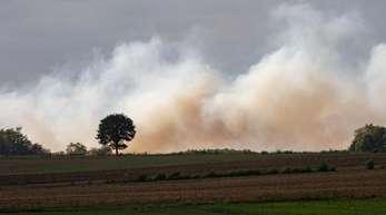 Auf einem Testgelände der Bundeswehrstehen seit dem 04. September fünf Hektar Moorland inBrand.