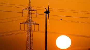 Laut einer aktuellen Studie aus Norwegen wird bis zum Jahr 2050 die Hälfte der Energie weltweit aus erneuerbaren Quellen wie Sonne und Wind sowie Kernenergie stammen.