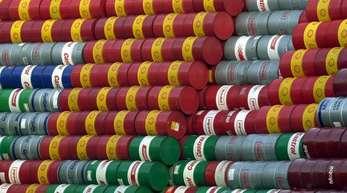 Am Morgen kostete ein Barrel (159 Liter) der Nordseesorte Brent zur Lieferung im November 80,06 US-Dollar.