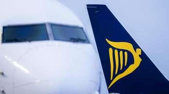 Ryanair sieht sich seit Monaten wiederholter und teils koordinierter Streiks sowohl der Piloten als auch der Flugbegleiter in verschiedenen europäischen Ländern ausgesetzt.