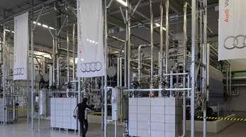 Elektrolyseblöcke zur Herstellung von e-gas auf dem Gelände der Audi e-gas-Anlage.