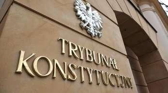 Verfassungsgericht in Warschau: Das wegen der Justizreformen gegen Polen eingeleitete EU-Strafverfahren tritt auf der Stelle.