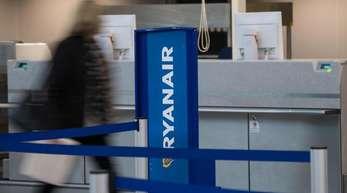 Ryanair-Schalter am Flughafen.