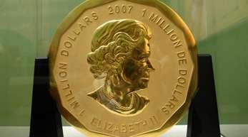 So sah sie aus: Die 100 Kilogramm schwere Goldmünze «Big Maple Leaf» im Bode-Museum in Berlin.