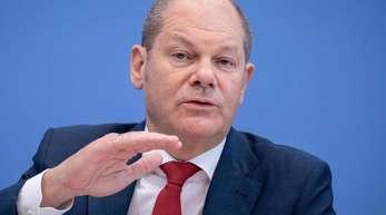 Olaf Scholz (SPD)und sein französischer Kollege Bruno Le Maire sind laut «Handelsblatt» der Überzeugung, dass Steuerwettbewerb nicht per se schlecht sei, aber Untergrenzen nötig seien.