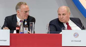 Gingen mit der Presse hart ins Gericht: FCB-Vorstandschef Karl-Heinz Rummenigge (l) und Präsident Uli Hoeneß.