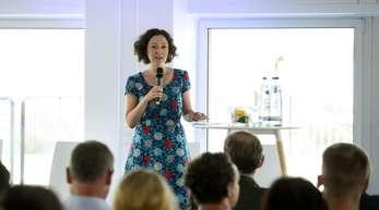 Ramona Pop (Grüne), Berlins Wirtschaftssenatorin, spricht bei der Eröffnung von Europas größtem Fintech-Hub (H:32).