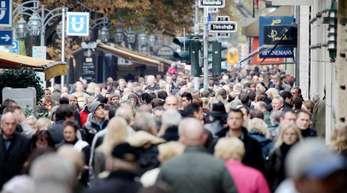 Deutschland hat in diesem Jahr bereits über 520 Milliarden Euro an Steuern eingenommen - davon sollen die Bürger etwas abbekommen, fordert der Steuerzahlerbund.