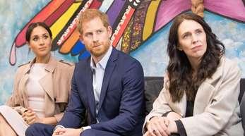 Prinz Harry und Herzogin Meghan mit der neuseeländsichen Ministerpräsidentin Jacinda Ardern in Azuckland.