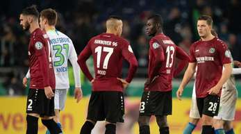 Im Niedersachsen-Derby gegen den VfL Wolfsburg hofft Hannover 96 auf einen Befreiungsschlag.
