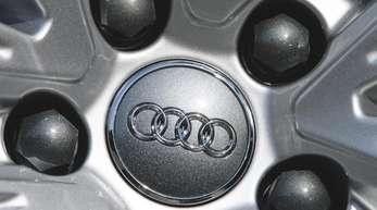 Die VW-Tochter Audi hat im Oktober in Europa nur halb soviele Autos verkauft wie vor einem Jahr, weil viele Modelle immer noch keine WLTP-Zulassung haben.