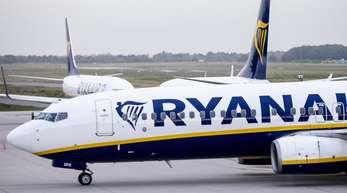 Ryanair-Flugzeuge: Eine Passagiermaschine des irichen Billigfliegers wurde von der zivilen Luftfahrtbehörde in Frankreich beschlagnahmt.