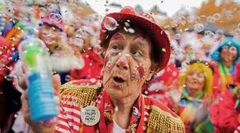 Ob Karneval, Fastnacht oder Fasching: In vielen Regionen Deutschlands beginnt am 11.11. wieder die närrische Zeit.