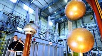 In den kommenden zehn Jahren fehlen nach einer Studie des Verbands VDErund 100.000 Elektroingenieure.
