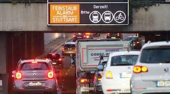 Das Land Baden-Würtemmberg muss umgehend mit der Planung von Fahrverboten für Diesel der Euronorm 5 in Stuttgart beginnen.