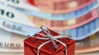 In Betrieben ohne Tarifvertrag erhalten nur 42 Prozent der Beschäftigten ein Weihnachtsgeld.