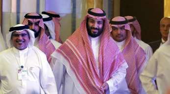 Der in der Khashoggi-Affäre unter Druck geratenen saudische Kronprinz Mohammed bin Salman hat den gewaltsamen Tod des Journalisten als «abscheulichen Vorfall» bezeichnet.