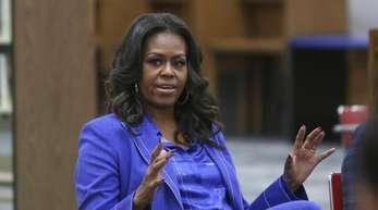 Michelle Obama sprach an ihrer ehemaligen Schule mit Schülern über ihr neues Buch «Becoming».