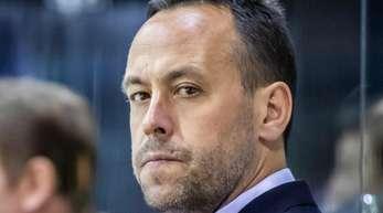 Ex-Bundestrainer Marco Sturm steht nun in der NHL hinter der Bande.