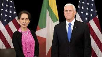 US-Vozepräsident Mike Pence trifft in Singapur mit Myanmars Regierungschefin Aung San Suu Kyi zusammen.