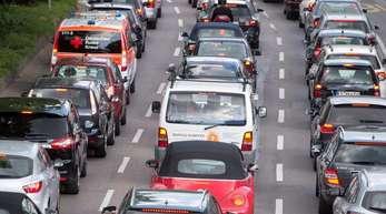 Stau in Stuttgart. Der Verkehr gehört zu den größten Klimakillern, auch in Deutschland.