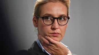 Der AfD-Kreisverband von Fraktionschefin Alice Weidel hat nach Parteiangaben eine weitere Geldsumme von 150.000 Euro aus Belgien erhalten.