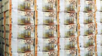 Jede Menge Geld:Die Bundesländer haben in den ersten neun Monaten des laufenden Jahres einen Haushaltsüberschuss von 19,65 Milliarden Euro erzielt.
