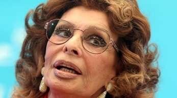 Die italienische Filmschauspielerin Sophia Loren liebt Pizza.