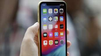 Das iPhone XR hat das Design des Top-Modells XS, ist aber deutlich günstiger.