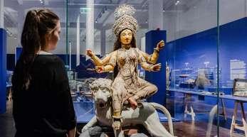 Eine Figur der bengalischen Göttin Durga im Hamburger Museum am Rothenbaum (MARKK).