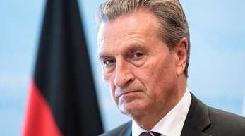 EU-Haushaltskommissar Günther Oettinger muss einen neuen Entwurf für den Haushalt 2019 vorlegen.