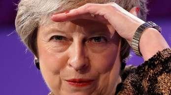 Da der Austrittsvertrag einige Lasten für Großbritannien vorsieht, will May im Gegenzug schon jetzt die Weichen für vorteilhafte wirtschaftliche Beziehungen zur EU stellen.