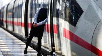 Vor allem in Nordrhein-Westfalen könnte es zu Behinderungen im Bahnverkehr kommen.