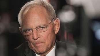 Wolfgang Schäuble (CDU), Bundestagspräsident, gibt ein Interview.
