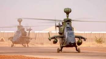 Ankunft der ersten beiden Kampfhubschrauber des Typs Tiger am 25. März 2017 in Mali.