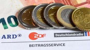17,50 Euro beträgt der monatliche Rundfunkbeitrag, der für jede Wohnung erhoben wird.
