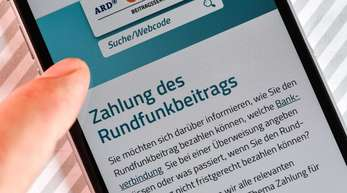 Für ARD, ZDF und Deutschlandradio sind die Rundfunkbeiträge die Haupteinnahmequelle - 2017 insgesamt 7,97 Milliarden Euro.