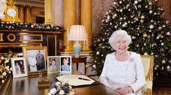 Die britische Königin Elizabeth II. im Buckingham Palace nach ihrer Weihnachtsansprache 2017.