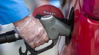 Deutlich teurer als ein Jahr zuvor war Kraftstoff und Energie.