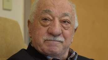 Die türkische Regierung macht Gülen - der im Exil in den USA lebt - für den Putschversuch vom Juli 2016 verantwortlich.
