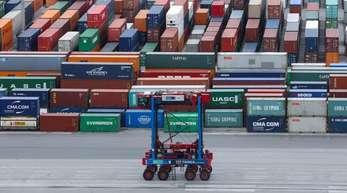 Container-Lagerplatz am Containerterminal Burchardkai im Hamburger Hafen. Großbritannien ist der fünftgrößte Exportmarkt Deutschlands.