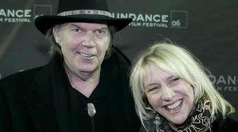 Der kanadische Sänger Neil Young und seine damalige Frau Pegi beim Sundance Film Festival.