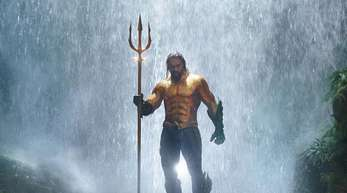 Nur echt mit Dreizack: Jason Momoa als Aquaman.